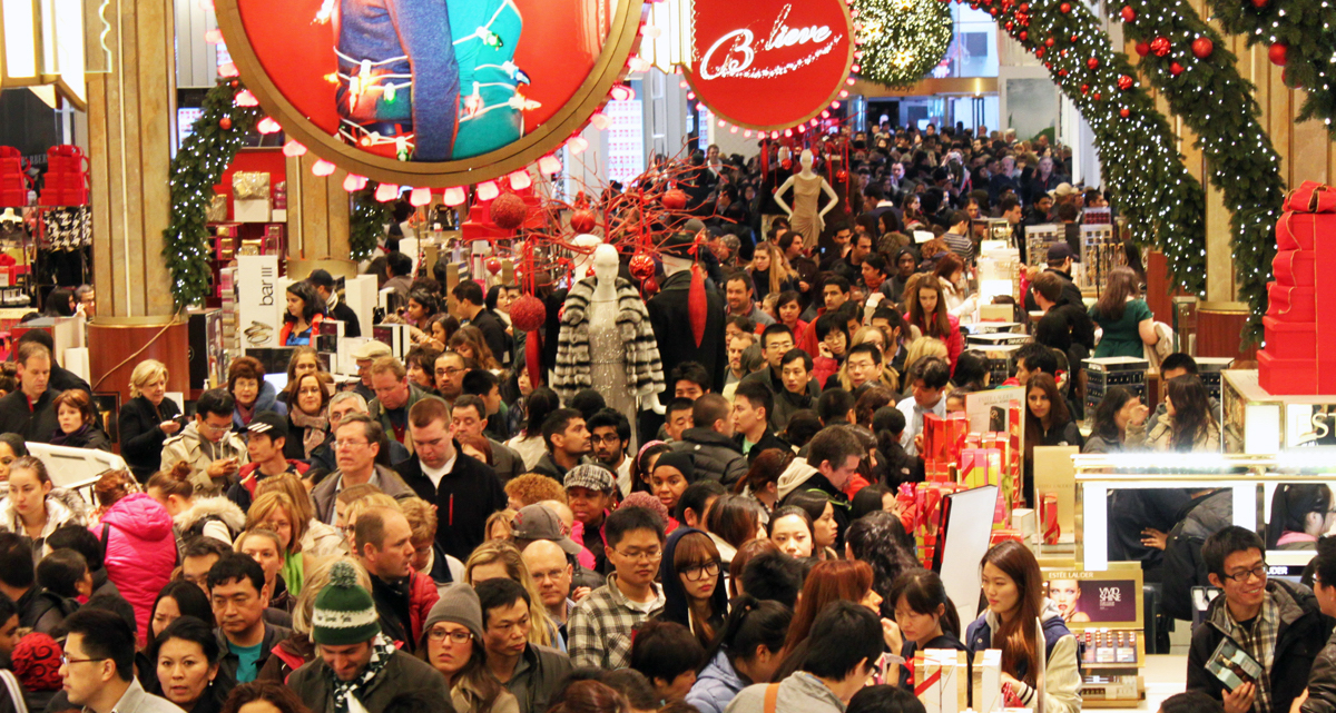black-friday-shopping-crowd
